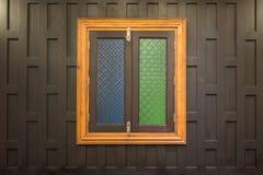 Παραδοσιακός ταϊλανδικός ξύλινος τοίχος ύφους Στοκ φωτογραφία με δικαίωμα ελεύθερης χρήσης