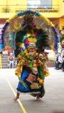 Παραδοσιακός χορός χορού ατόμων της Βολιβίας στο Ciudad Mitad del Mundo turistic κέντρο πλησίον της πόλης του Κουίτο Στοκ Εικόνα