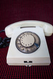Παραδοσιακό άσπρο περιστροφικό τηλέφωνο Στοκ Εικόνα