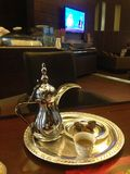 Παραδοσιακό αραβικό δοχείο Dalla καφέ Στοκ φωτογραφία με δικαίωμα ελεύθερης χρήσης