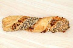 Παραδοσιακό γερμανικό pretzel τυριών Στοκ Εικόνες