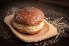 Παραδοσιακό γλυκό doughnut στοκ φωτογραφία
