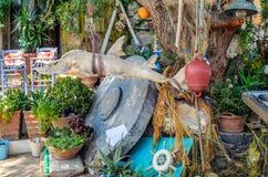 Παραδοσιακό ελληνικό taverna, που διακοσμείται με τον εξοπλισμό αλιείας Στοκ Φωτογραφία