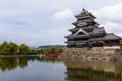 Παραδοσιακό ιαπωνικό Ματσουμότο Castle στοκ εικόνες
