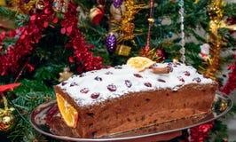 Παραδοσιακό κέικ Χριστουγέννων με τα φρούτα Στοκ Εικόνα