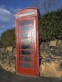 Παραδοσιακό κόκκινο τηλεφωνικό περίπτερο Στοκ Εικόνες