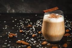 Παραδοσιακό μεξικάνικο ποτό Horchata Latte Στοκ εικόνες με δικαίωμα ελεύθερης χρήσης