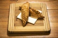 Παραδοσιακό πιάτο Kairaite στον ξύλινο πίνακα Στοκ Εικόνες