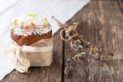 Παραδοσιακό ρωσικό κέικ Kulich Πάσχας Στοκ φωτογραφίες με δικαίωμα ελεύθερης χρήσης