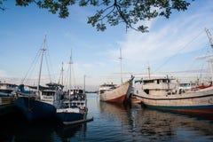 Παραδοσιακό σκάφος στο λιμένα Paoterre με το μπλε ουρανό Στοκ φωτογραφίες με δικαίωμα ελεύθερης χρήσης