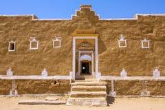 Παραδοσιακό σπίτι εγκαταλειμμένο στο Kuldhara χωριό κοντά σε Jaisalmer Στοκ Φωτογραφία