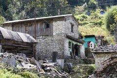 Παραδοσιακό σπίτι πετρών του χωριού Manang Περιοχή Annapurna, Ιμαλάια, Νεπάλ Στοκ φωτογραφία με δικαίωμα ελεύθερης χρήσης