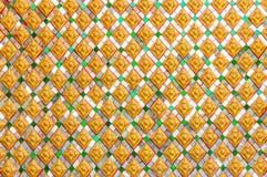 Παραδοσιακό ταϊλανδικό ύφος του βουδιστικού τοίχου εκκλησιών Στοκ Εικόνα