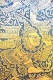 Παραδοσιακό ταϊλανδικό ύφους σχέδιο ζωγραφικής τέχνης χρυσό στην πόρτα Στοκ Εικόνα