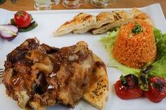 Παραδοσιακό τουρκικό αρνί με bulgur pilav Στοκ φωτογραφία με δικαίωμα ελεύθερης χρήσης