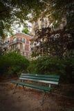 Παρισινό πάρκο το πρόωρο φθινόπωρο στοκ φωτογραφίες