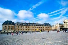 ΠΑΡΙΣΙ, ΓΑΛΛΙΑ - 22 ΑΥΓΟΎΣΤΟΥ 2012: Το παλάτι των Βερσαλλιών στοκ εικόνα με δικαίωμα ελεύθερης χρήσης