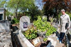 ΠΑΡΙΣΙ, ΓΑΛΛΙΑ - 2 ΜΑΐΟΥ 2016: Τάφος της Annie Girardot στο homeopaty ιδρυτή νεκροταφείων pere-Lachaise Στοκ φωτογραφίες με δικαίωμα ελεύθερης χρήσης