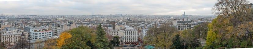 ΠΑΡΙΣΙ ΓΑΛΛΙΑ - 22 ΝΟΕΜΒΡΊΟΥ 2012: Montmartre στο πανόραμα του Παρισιού και εικονικής παράστασης πόλης Γαλλία Στοκ Εικόνα