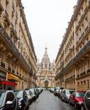 ΠΑΡΙΣΙ 10 ΙΑΝΟΥΑΡΊΟΥ: Ο καθεδρικός ναός του Αλεξάνδρου Nevsky στην οδό τον Ιανουάριο 10.2013 rue Daru στο Παρίσι Στοκ εικόνες με δικαίωμα ελεύθερης χρήσης