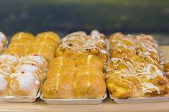 Παρουσίαση του ψωμιού σε ένα πιάτο Στοκ φωτογραφία με δικαίωμα ελεύθερης χρήσης