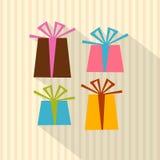 Παρόντα κιβώτια, κιβώτια δώρων στο υπόβαθρο εγγράφου χαρτονιού Απεικόνιση αποθεμάτων