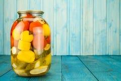 παστωμένα βάζα λαχανικά Μαριναρισμένα τρόφιμα Διατροφή, χορτοφαγία, Στοκ Εικόνες