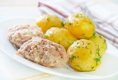 Πατάτα και cutlets Στοκ Φωτογραφίες