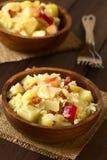 Πατάτα, Sauerkraut και σαλάτα της Apple με το μπέϊκον Στοκ εικόνα με δικαίωμα ελεύθερης χρήσης
