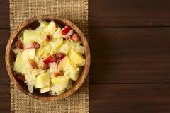 Πατάτα, Sauerkraut και σαλάτα της Apple με το μπέϊκον Στοκ Εικόνες