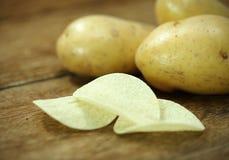 πατάτες ακατέργαστες Στοκ Εικόνες