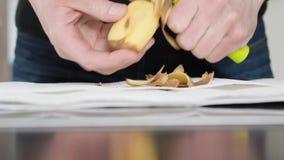 Πατάτες αποφλοίωσης φιλμ μικρού μήκους