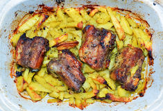 Πατάτες και χοιρινό κρέας Στοκ φωτογραφία με δικαίωμα ελεύθερης χρήσης