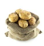 Πατάτες burlap στο σάκο Στοκ Εικόνες