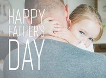 Πατέρας και κόρη στην κουζίνα, έννοια ημέρας πατέρων ` s Στοκ φωτογραφία με δικαίωμα ελεύθερης χρήσης