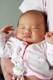 πατέρας μωρών η εκμετάλλευσή του Στοκ εικόνα με δικαίωμα ελεύθερης χρήσης