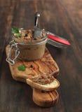 Πατέ συκωτιού βόειου κρέατος με το ψωμί στοκ εικόνα