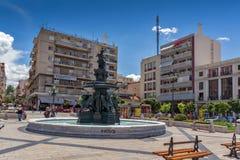 ΠΑΤΡΑ, ΕΛΛΑΔΑ ΣΤΙΣ 28 ΜΑΐΟΥ 2015: Πανοραμική άποψη του βασιλιά George Ι τετράγωνο σε Πάτρα, Πελοπόννησος, Ελλάδα Στοκ Φωτογραφία