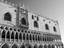 Πατριαρχική βασιλική στο τετράγωνο του σημαδιού του ST στη Βενετία λεπτομέρεια στοκ εικόνα