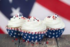 Πατριωτικός 4ος του Ιουλίου cupcakes στοκ φωτογραφίες με δικαίωμα ελεύθερης χρήσης