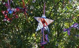 Πατριωτικό χριστουγεννιάτικο δέντρο στο οχυρό Myers, Φλώριδα, ΗΠΑ στοκ φωτογραφία