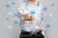 Πατώντας κουμπί υψηλής τεχνολογίας επιχειρηματιών Στοκ Φωτογραφίες