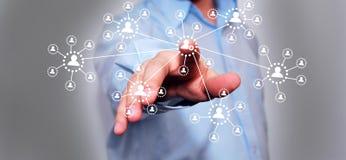 Πατώντας κουμπί υψηλής τεχνολογίας επιχειρηματιών Στοκ Φωτογραφία