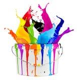 Παφλασμός χρώματος κάδων χρωμάτων Στοκ εικόνα με δικαίωμα ελεύθερης χρήσης