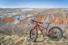 Παχύ ποδήλατο σε ένα ίχνος ερήμων στο βόρειο Κολοράντο στοκ εικόνες