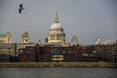 Παλάτια και εκκλησίες - Λονδίνο ST Paul Στοκ Φωτογραφία