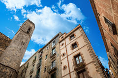 Παλάτι βασιλιάδων στη Βαρκελώνη: μεσαιωνικό Παλάου Reial Royal Palace στα καταλανικά Placa del Rei King ` s στην πλατεία Στοκ Φωτογραφίες