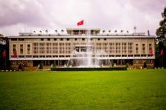 Παλάτι επανένωσης στη πόλη Χο Τσι Μινχ Στοκ εικόνα με δικαίωμα ελεύθερης χρήσης