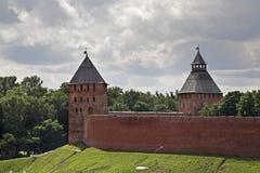 Παλάτι και πύργος Spasskaya σε Novgorod ο μεγάλος (Veliky Novgorod) Ρωσία Στοκ φωτογραφίες με δικαίωμα ελεύθερης χρήσης