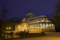 Παλάτι κρυστάλλου τη νύχτα Στοκ εικόνα με δικαίωμα ελεύθερης χρήσης